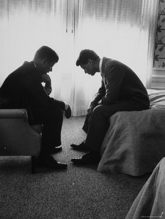walker-hank-presidential-candidate-john-kennedy-conferring-with-brother-and-campaign-organizer-bobby-kennedy